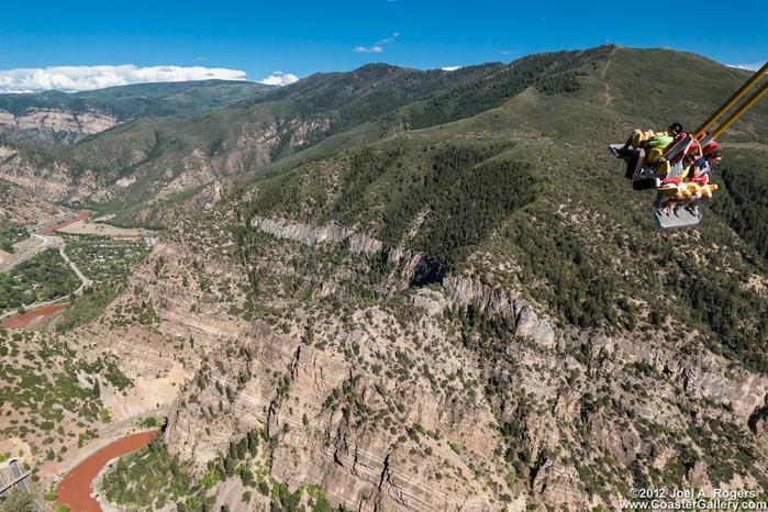 качели над пропастью Giant Canyon Swing 4 (700x466, 331Kb)