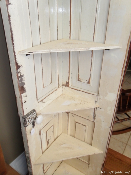 Как сделать из старых дверей новые своими руками