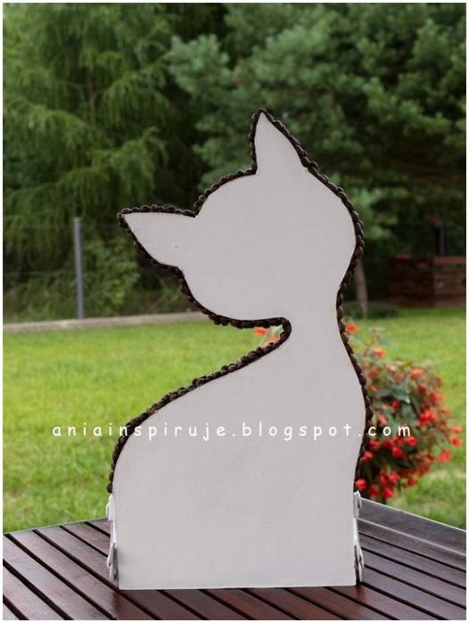 Gato de café con un jardín y valla) Composición decorativa para la cocina (19) (526x700, 203Kb)