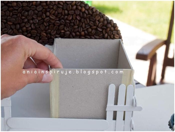 Gato de café con un jardín y valla) Composición decorativa para la cocina (21) (700x526, 179Kb)