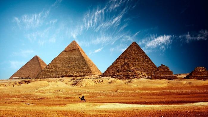 """Вышивка крестом.  Схема вышивки  """"Пирамиды """".  Для дорожек, салфеток, скатертей, занавесок - применяют лен..."""