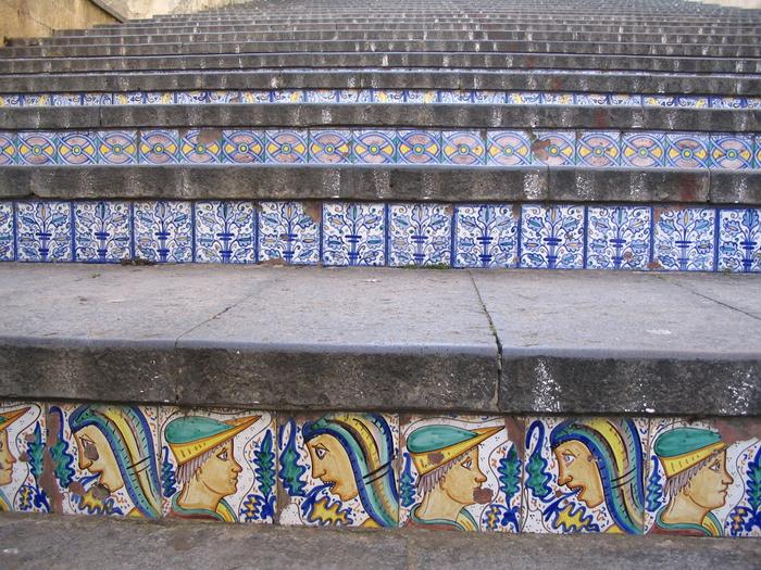 лестница Санта-Мария-дель-Монте сицилия 3 (700x525, 594Kb)