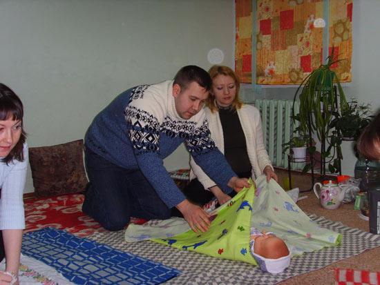 пеленание младенцев/5355770_c72 (550x413, 55Kb)