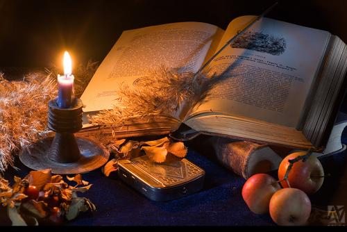 книга и свеча (300x134, 354Kb)