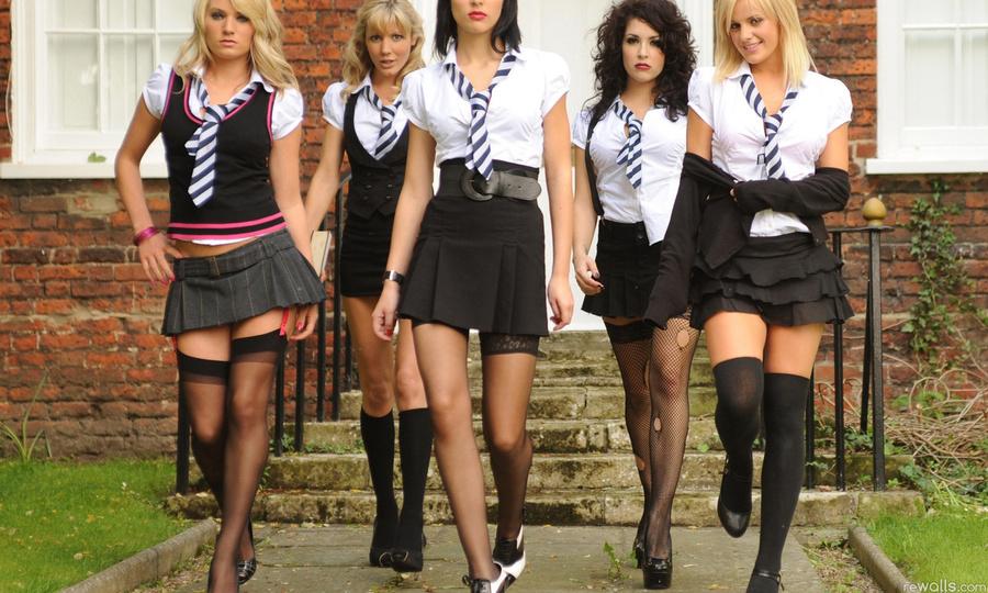 фото девушек школьные