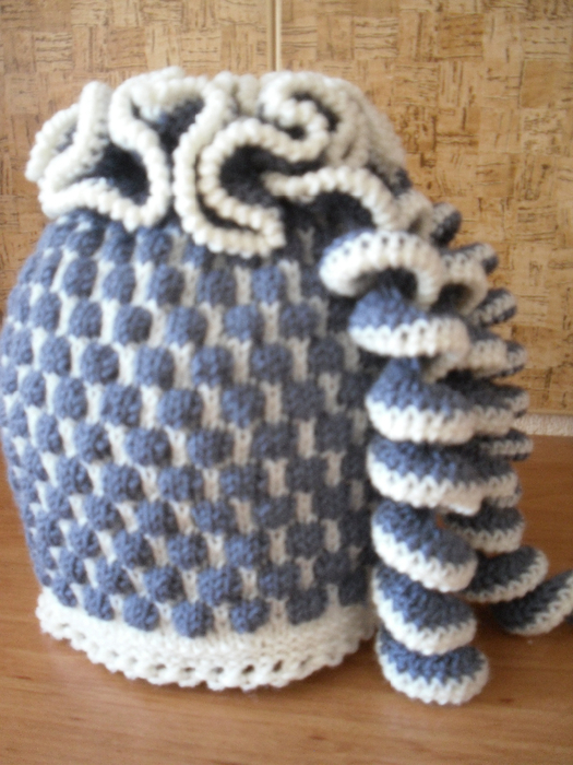 针织:螺旋装饰的双色帽子 - maomao - 我随心动