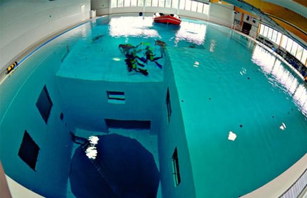 бассейн для дайверов бельгия 3 (600x388, 164Kb)
