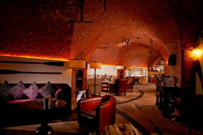 необычный отель Spitbank Fort фото 4 (700x466, 253Kb)