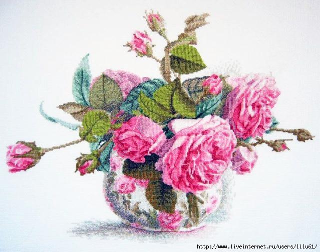 Вышивки крестиком роз в вазе