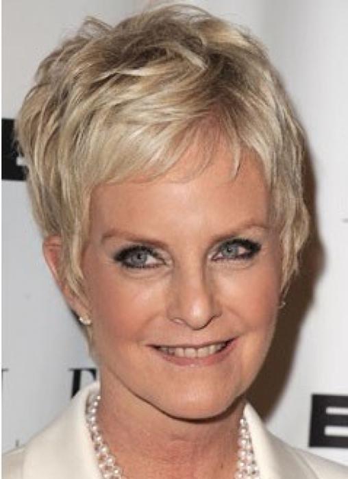 Причёска пикси на короткие волосы для женщин 50 лет