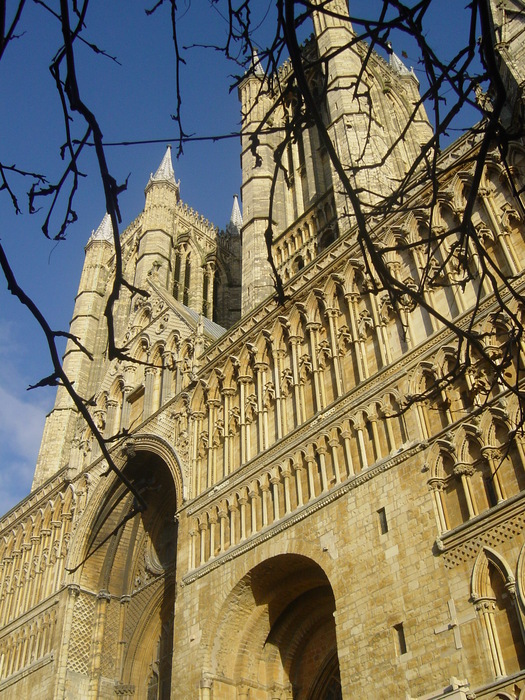 Lincoln_Cathedral-West-close-up (525x700, 208Kb)