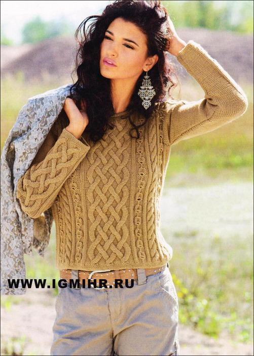 Теплый пуловер с выразительной комбинацией ирландских узоров. Спицы