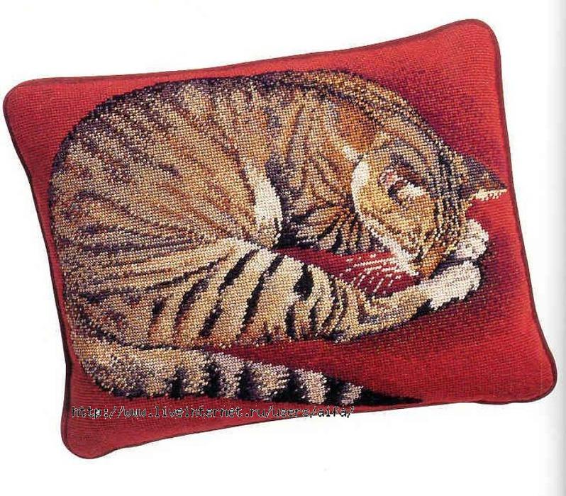 Схема вышивки кошек на подушке