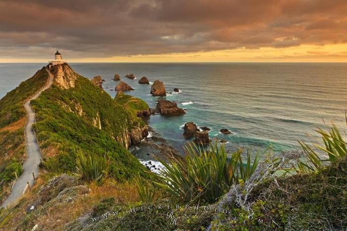 маяк Nugget Point Новая Зеландия фото (700x466, 378Kb)