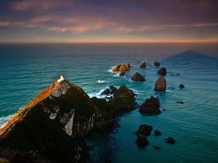 маяк Nugget Point Новая Зеландия фото 2 (700x524, 340Kb)
