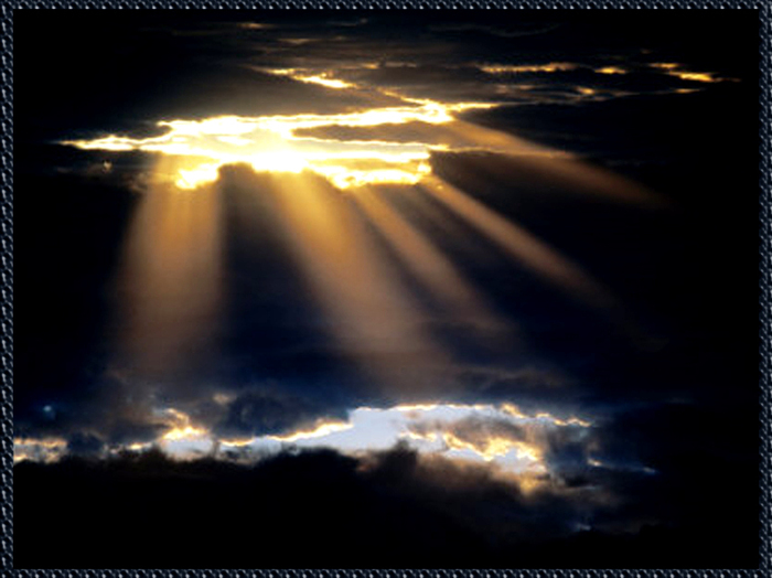BN621_1-FB~Light-Through-Dark-Clouds- (700x524, 201Kb)