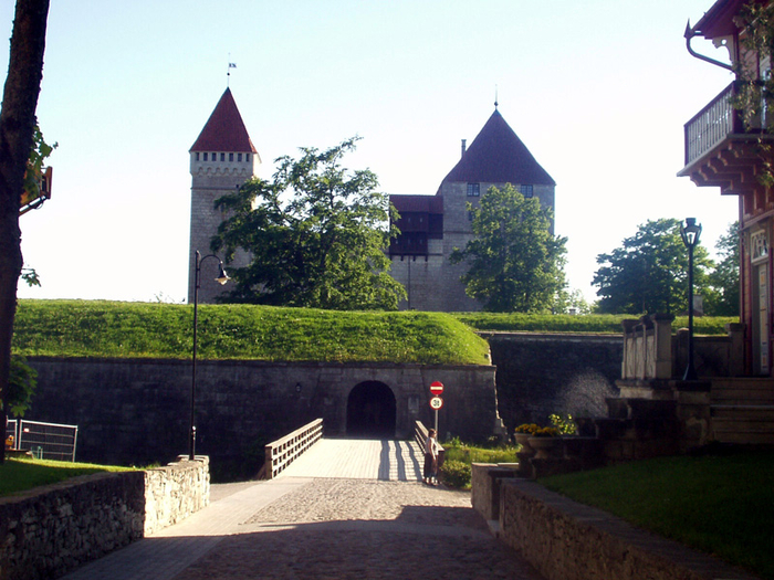 курессаре, замок 2 (700x525, 435Kb)