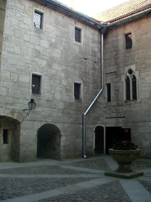 курессаре, замок 10 (525x700, 437Kb)