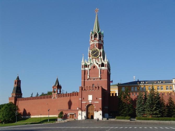 Кремль опроверг возможность отправки в Сирию российских военных