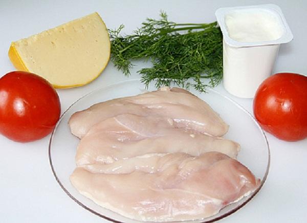 Отбивные из куриного филе с сыром и помидорами фото