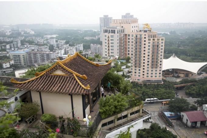 храм на крыше китай фото 1 (680x453, 193Kb)
