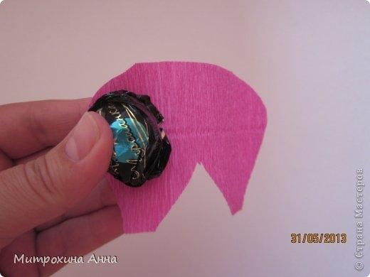 английская роза из конфет мастер-класс (7) (520x390, 60Kb)