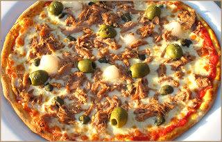 98067413_pizza_tuna (320x205, 49Kb)