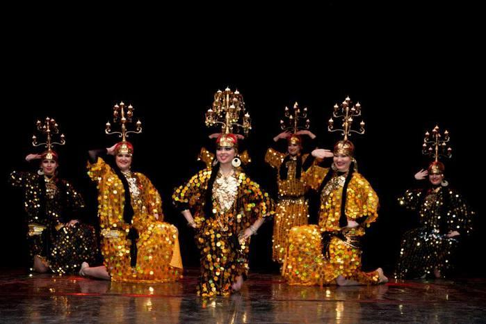 восточные танцы скарабей/1332946_73506_704229576270858_481607678_n (700x466, 48Kb)