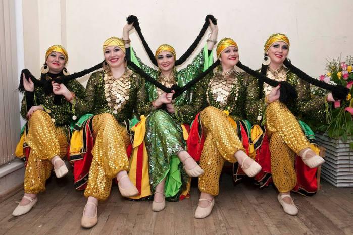 Восточные танцы. Коллектив Скарабей/1332946_995435_704224282938054_30748682_n (700x466, 67Kb)