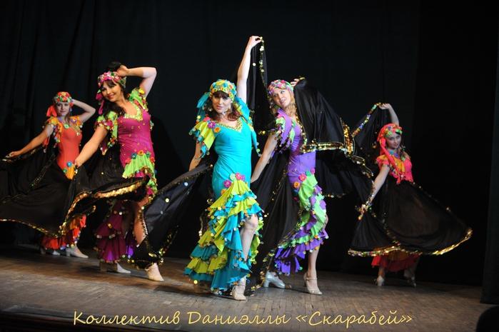 Восточные танцы Даниэлла/1332946_Ansambl_Skarabei (700x465, 245Kb)
