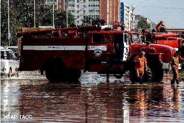 Наводнение в Комсомольске на Амуре (380x253, 121Kb)