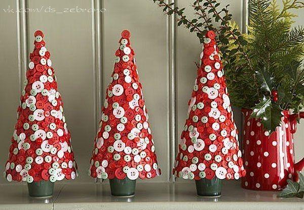 Новогодние  поделки  и  украшения  для  дома  из  пуговиц