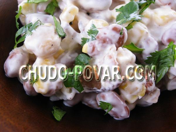 salat-s-fasolyu-i-suharikami-i-kukuruzoj (600x450, 99Kb)