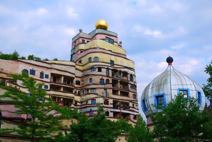 7-необычный дом Лесная спираль в Германии (700x467, 141Kb)