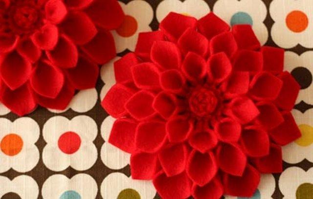 Великолепные цветы из войлока