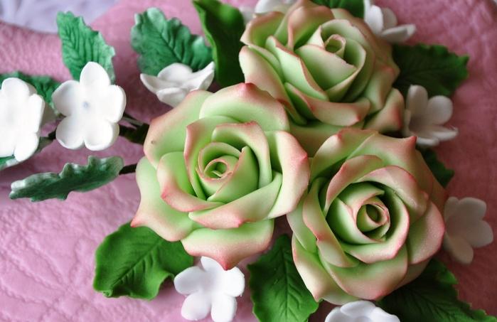 Розы из марципана для украшения торта. Мастер-класс (21) (700x453, 226Kb)