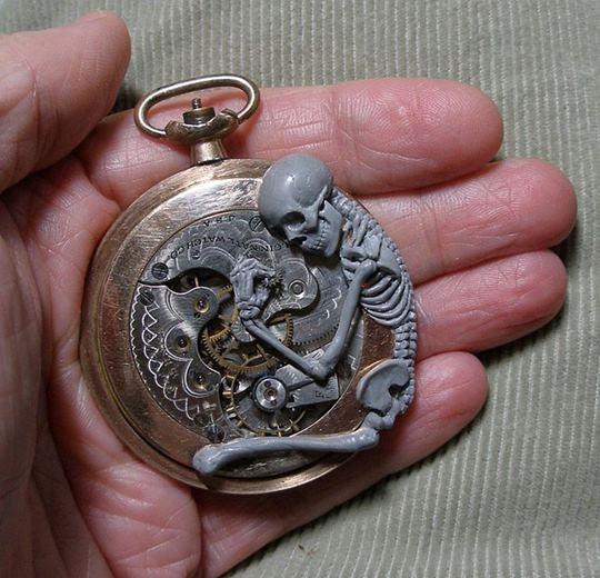 Сьюзан Бестрис. Скульптуры из частей старинных часов
