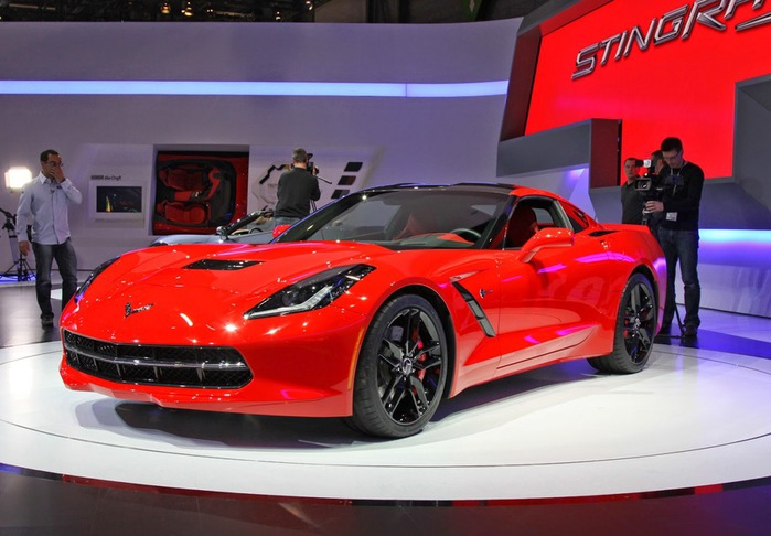 Chevrolet Corvette Stingray (700x486, 96Kb)