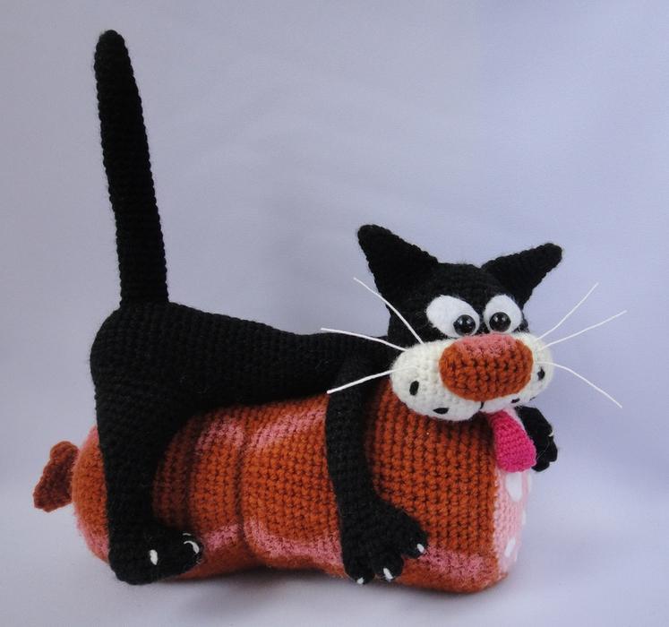 Игрушки крючком: коты и жираф