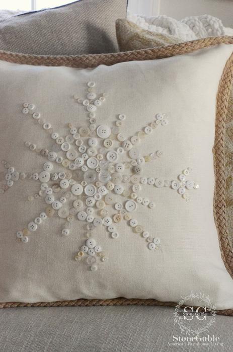 декор подушки пуговицами (7) (463x700, 312Kb)