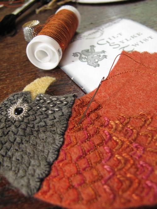 Райские птицы из войлока с вышивкой (24) (500x667, 263Kb)