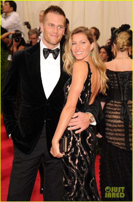 gisele-bundchen-tom-brady-are-glowing-couple-at-met-ball-2014-02 (461x700, 83Kb)