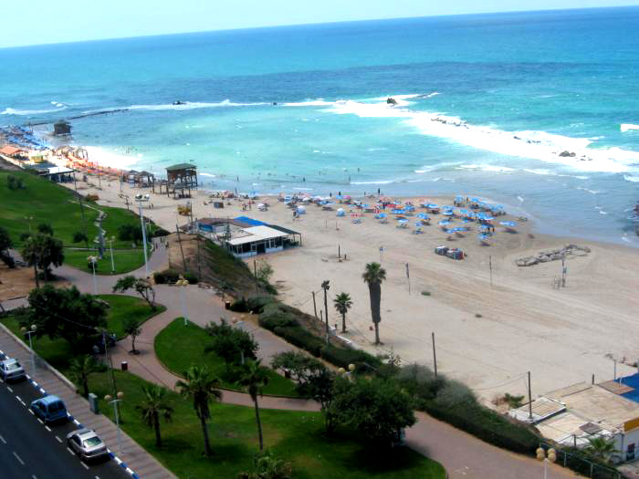 76304587_large_Israel_Bat__Yam_Beach (700x525, 111Kb)