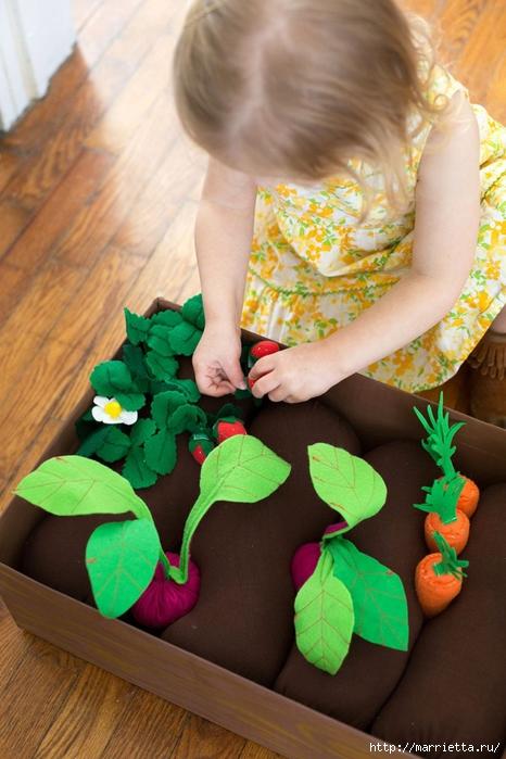Фетровая грядка с ягодами и овощами (7) (466x700, 254Kb)