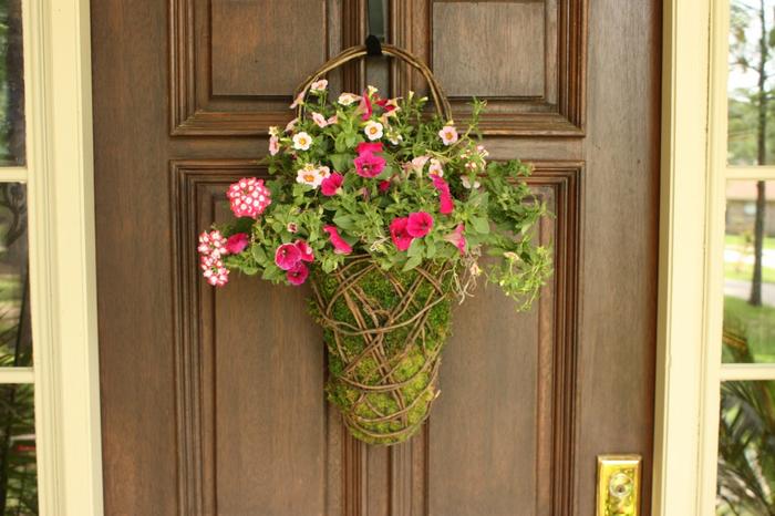 Кашпо для садовых цветов (1) (700x466, 352Kb)