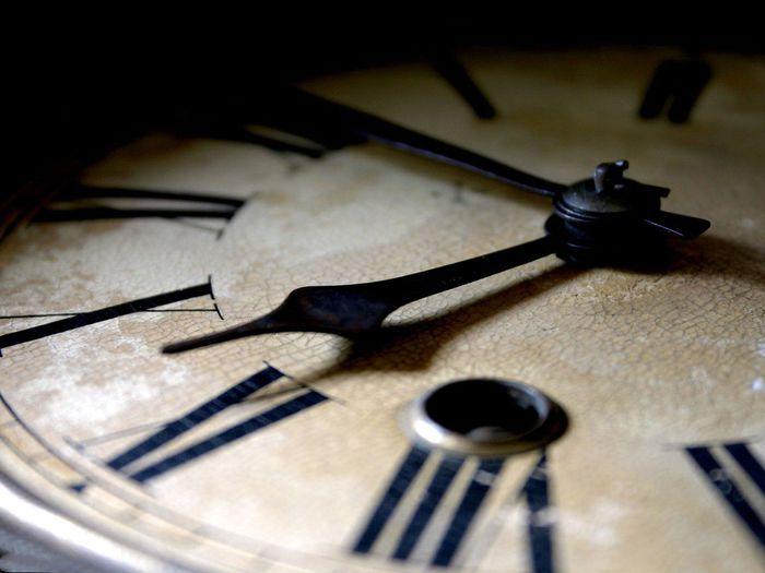 Часы (700x525, 42Kb)