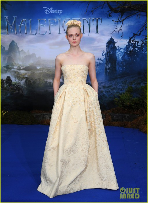 elle-fanning-looks-like-royalty-at-maleficent-private-reception-06 (510x700, 85Kb)