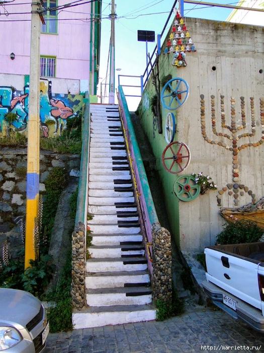 Граффити и Street Art. Самые красивые лестницы и ограды (3) (525x700, 368Kb)