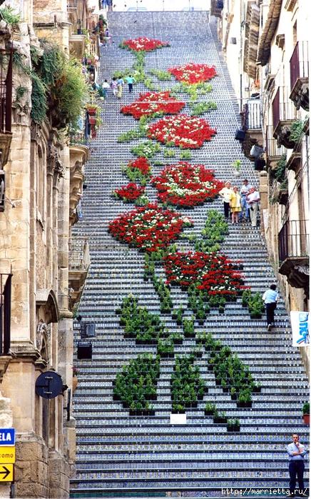 Граффити и Street Art. Самые красивые лестницы и ограды (7) (436x700, 428Kb)