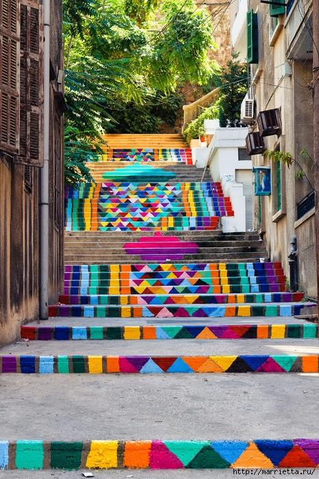 Граффити и Street Art. Самые красивые лестницы и ограды (12) (466x700, 398Kb)